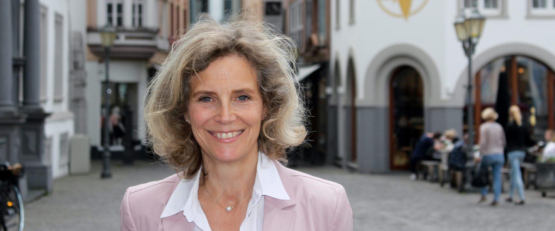 Dr. Anna Köbberling